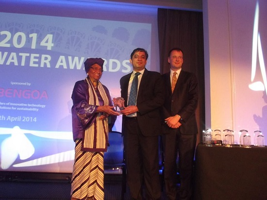 President Sirleaf presents an award to one of the recipients