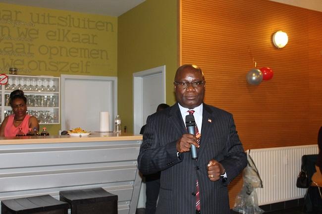 Ambassador Nyenabo speaks to Liberians during the program
