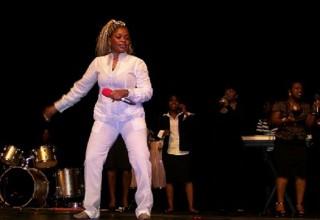 Kanvee Adams in concert in USA