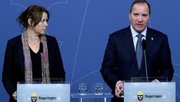 Deputy Prime Minister Åsa Romson (left)  and Prime Minister Stefan Löfven presented additional measures to create a breathing space for Sweden's refugee reception. Photo: Janerik Henriksson/TT
