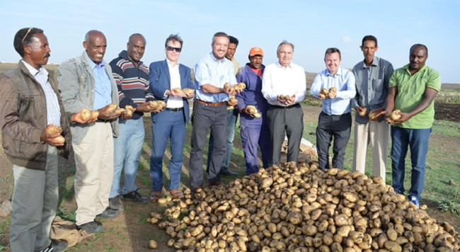 Irish Member of Parliament Brian Hayes (3rd from right) during an Eritrean visit aimed at observing a number of cutting-edge Irish government sponsored agricultural programs.