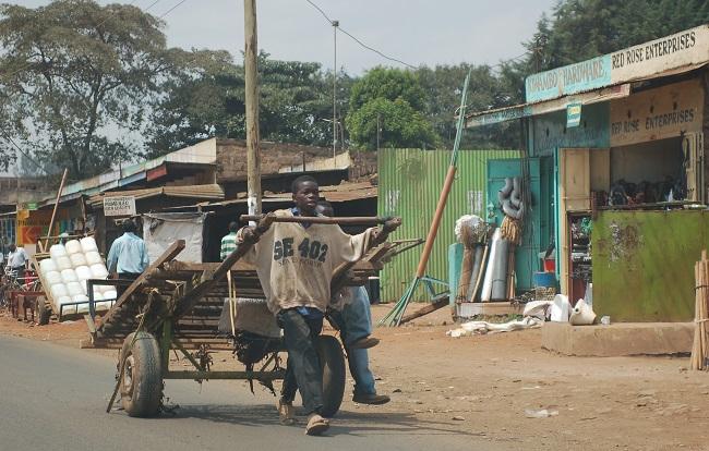 A young labourer on his way to the same Nairobi market where Sawiya thinks Rashid and his brother disappeared. Credit: Erik Hersman